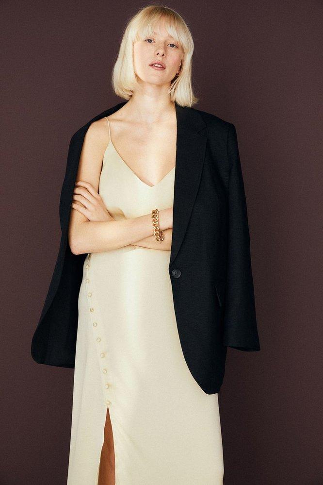 Slip šaty s knoflíky, H&M, 899 Kč