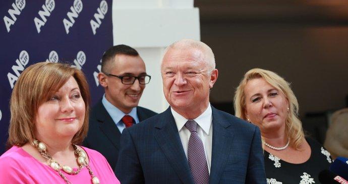 Schiller übernimmt die Geschäftsführung des YES-Clubs von Faltýnka