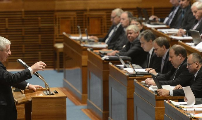 Schůze Senátu 9. října 2013