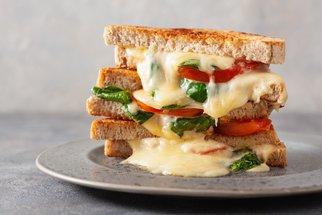 Dobrota mezi dvěma plátky chleba: Vyzkoušejte toasty a sendviče na 10 způsobů