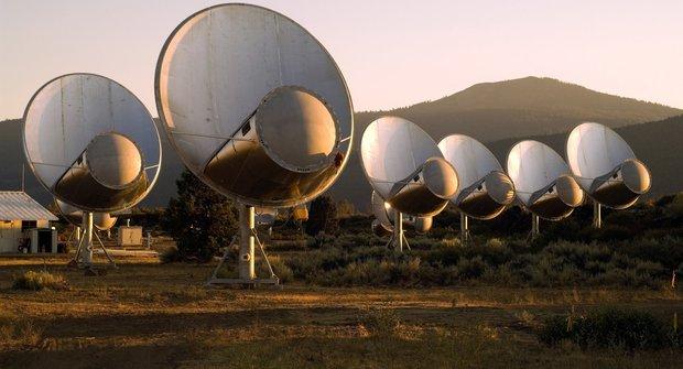 E. T. stále nevolá: Jak astronomové hledají mimozemšťany?
