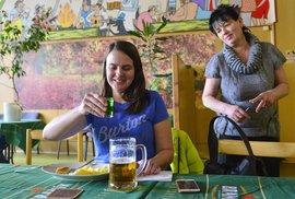 Skutečná restaurace Severka ze seriálu Most!: Pivo jako křen a jídlo jako v nejlepší školní jídelně