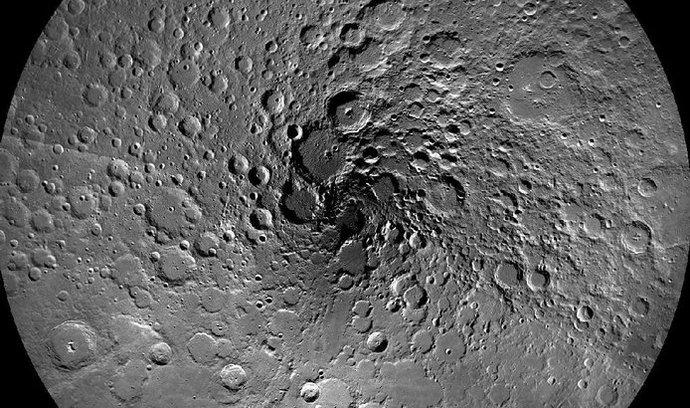 Severní pól Měsíce