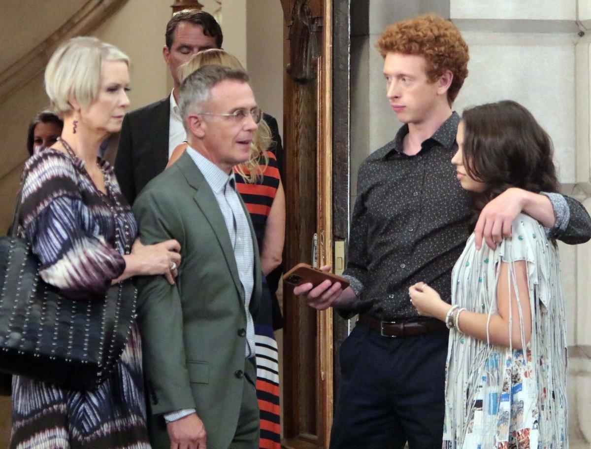 Miranda, Steve a jejich syn Brady s přítelkyní Luisou