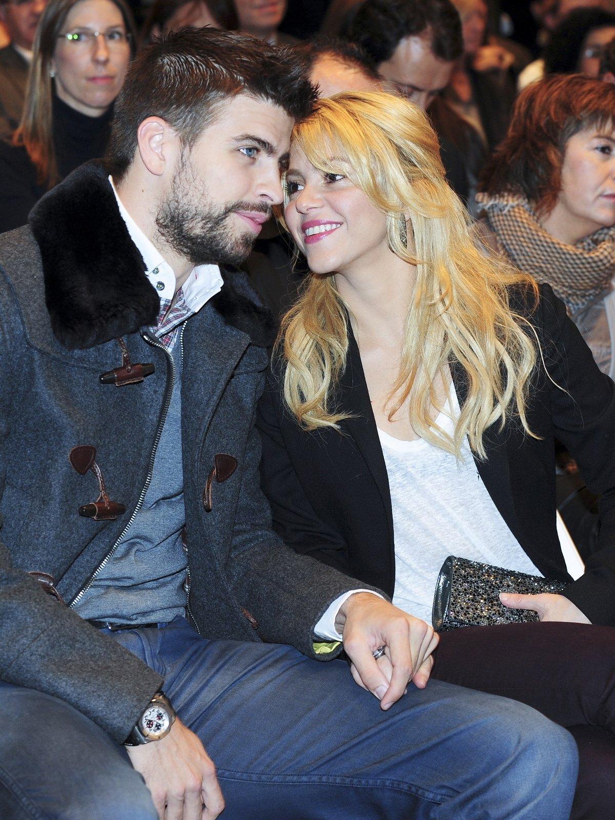 Shakira může na Piquém oči nechat.