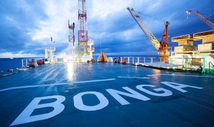 Těžební plošina Shellu u pobřeží Nigérie