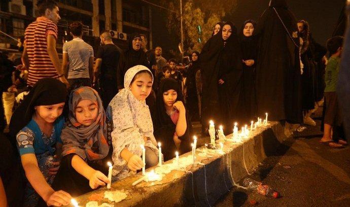 Shromáždění za obětí útoku v Bagdádu, nejhoršího od roku 2003