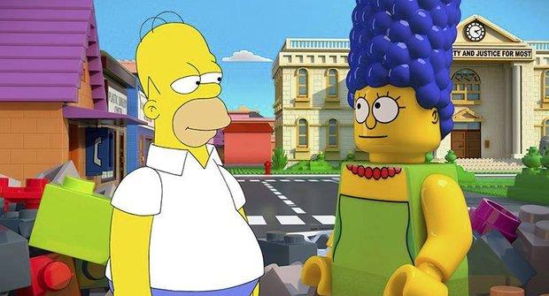 LEGO příběh se Simpsony má hranatou upoutávku