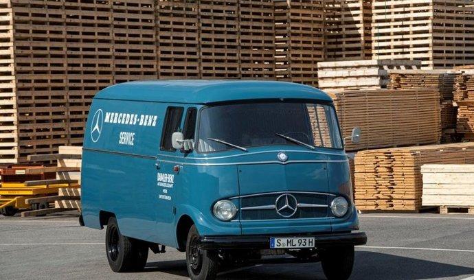 Slavná historie. Mercedes-Benz slaví šest desítek let působení v oboru lehkých užitkových vozidel. Málokdo si dnes vybaví začátek triumfu v oboru, elegantní typ L 319 z roku 1955