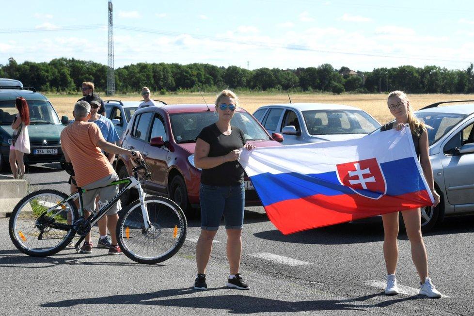 Koronavirus v Česku: Na hranicích u Sudoměřic protestovali Češi a Slováci kvůli omezení na hranicích (10.7.2021).