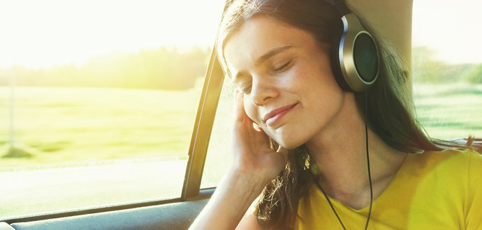 Ako si vybrať slúchadlá na cestovanie?
