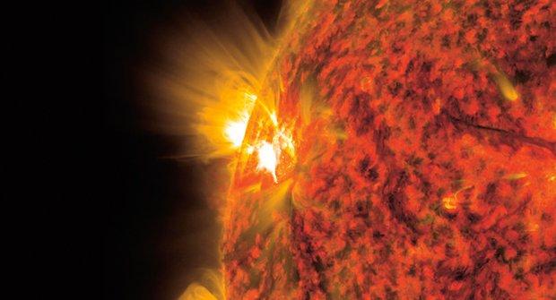 Máme štěstí! Předpověď kosmického počasí: Slunce je klidnější než ostatní podobné hvězdy