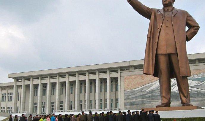 Socha uctívaného vůdce Kim Ir-sena