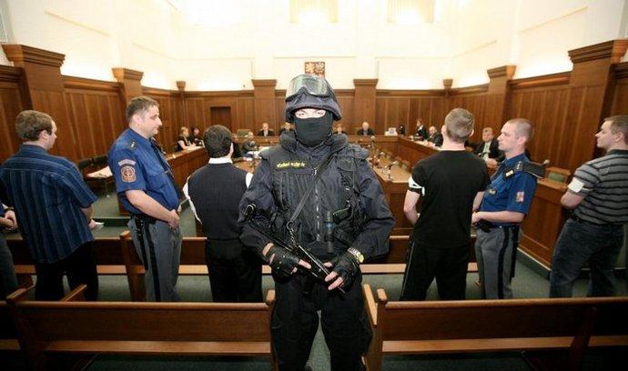 Soud se žháři z Vítkova probíhal za přísných bezpečnostních opatření