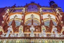 Architektonický secesní šperk. To je Palác katalánské hudby v barcelonské čtvrti La …