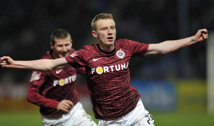 Sparťan Ladislav Krejčí se raduje z gólu