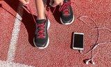 Vyhecujte se k lepším výkonům: tipy na nejlepší sportovní sluchátka