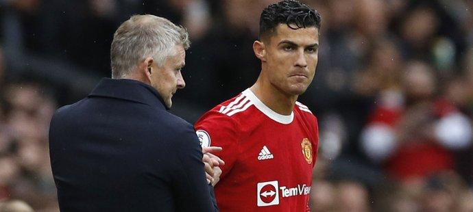 Cristiano Ronaldo v utkání United proti Evertonu vystřídal ve druhém poločase Edinsona Cavaniho