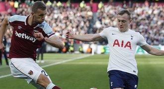 ONLINE: West Ham - Tottenham 0:0. Souček hlavou mířil vedle