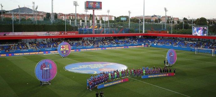 Stadion Johana Cruyffa v tréninkovém centru Barcelony