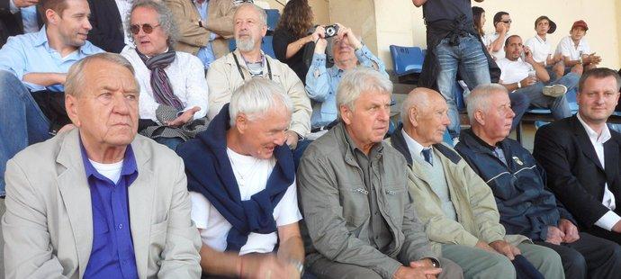 Brazilské derby na tribuně sledovali i někdejší českoslovenští vicemistři světa z roku 1962