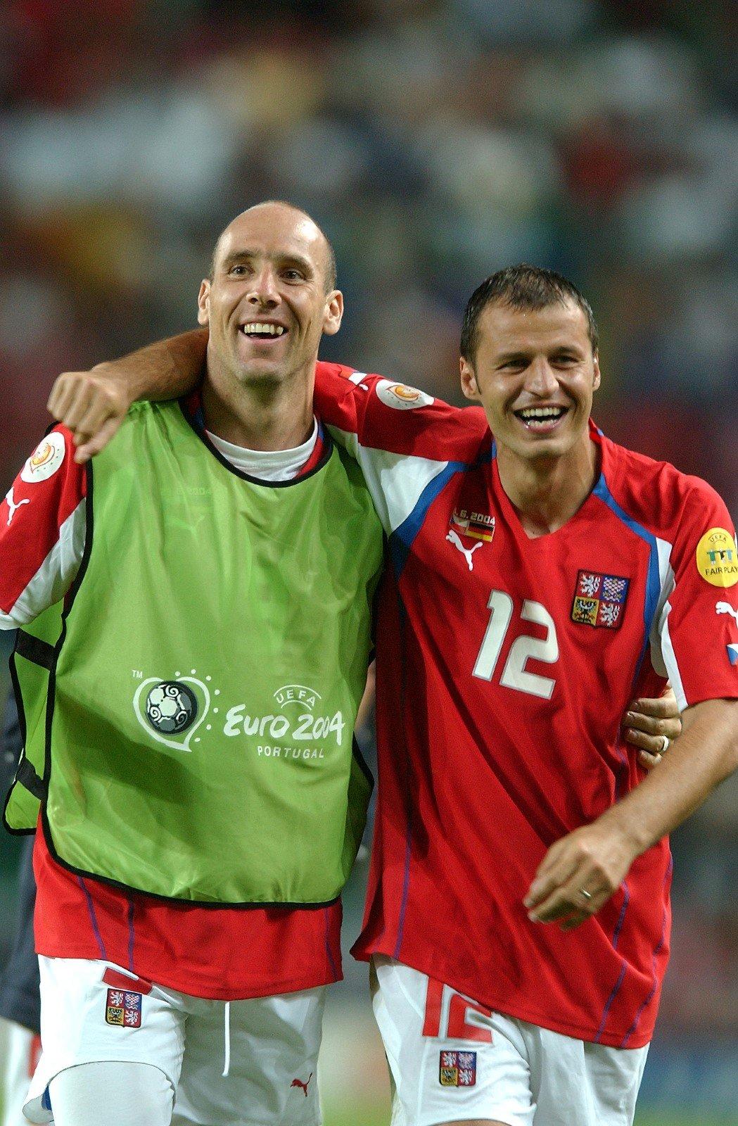 Vratislav Lokvenc (12) a Jan Koller po zápase s Německem (2:1) na EURO 2004