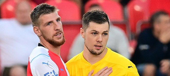 Ladislav Takács a Aleš Mandous ze Slavie v utkání proti Slovácku