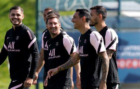 Lionel Messi na tréninku PSG poté, co se ze Španělska přesunul do francouzské ligy