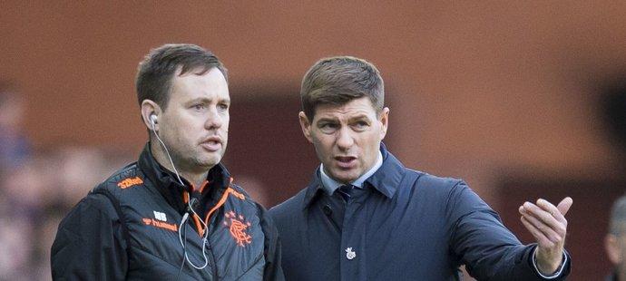 Spolupráce Stevena Gerrarda (vpravo) s Michaelem Bealem v Rangers funguje