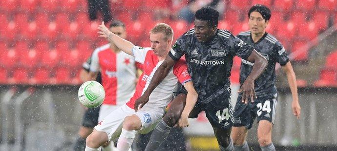 ONLINE: Slavia - Union Berlín 0:0. Ve středu obrany Ousou, na hrotu Tecl