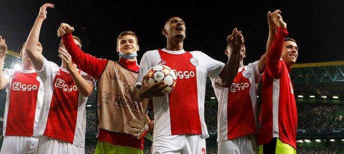 Sébastien Haller přispěl čtyřmi góly k výhře Ajaxu 5:1 nad Sportingem Lisabon v Lize mistrů