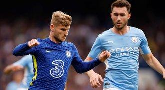 ONLINE: City vedou na Chelsea, United hostí Aston Villu, v akci i West Ham