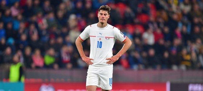 Zklamaný Patrik Schick po zápase s Walesem
