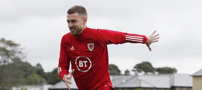 Aaron Ramsey je ve Walesu hvězda, Juventus se ho ale chystá prodat
