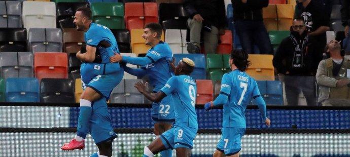Gólová radost fotbalistů Neapole v utkání s Udinese