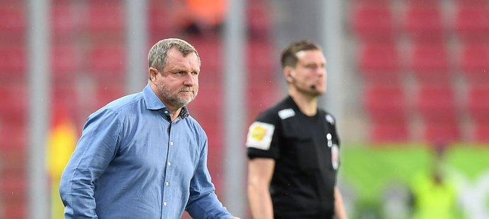 Sparťanský trenér Pavel Vrba během utkání proti Olomoucu