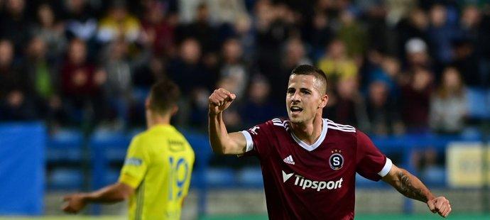 Martin Minčev ze Sparty se raduje z gólu proti Zlínu