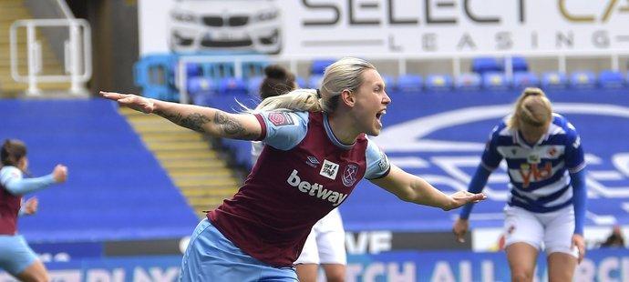 Radost Kateřiny Svitkové po gólu do sítě Readingu