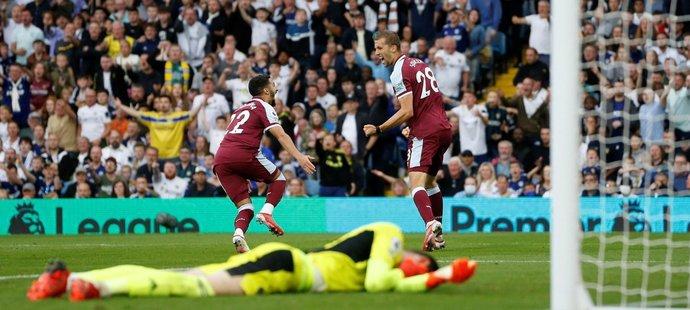 Předčasná radost Tomáše Součka v utkání proti Leedsu. Jeho gólu předcházel faul Michaila Antonia na brankáře soupeře, VAR tak trefu odvolal