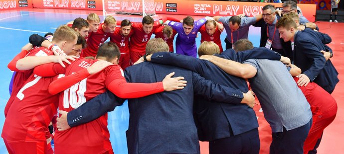 Česká futsalová reprezentace před zápasem s Brazílií na MS