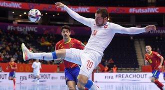 Statečný boj, ale konec na MS. Futsalisté na silné Španělsko nestačili