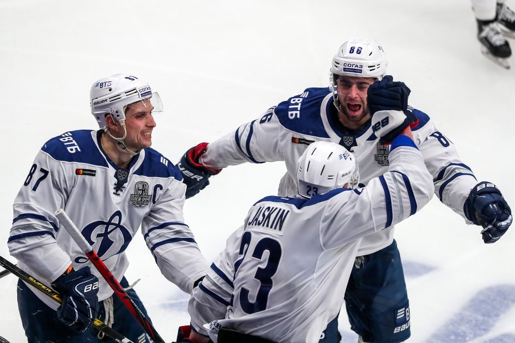 Dmitrij Jaškin bude pokračovat v barvách Dynama Moskva. Druhý nejlepší střelec uplynulé sezony Kontinentální ligy se dohodl na nové dvouleté smlouvě.