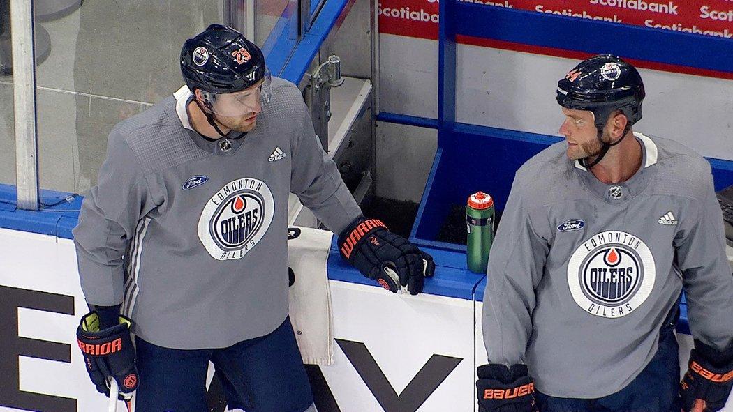 Největší hvězdy Oilers Connor McDavid a Leon Draisaitl se poprvé zapojili do Fáze 2 návratu NHL do akce.