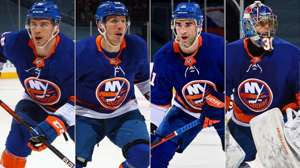 Vedení New York Islanders se rovnou se čtyřmi hráči dohodlo na nových dlouhodobých smlouvách
