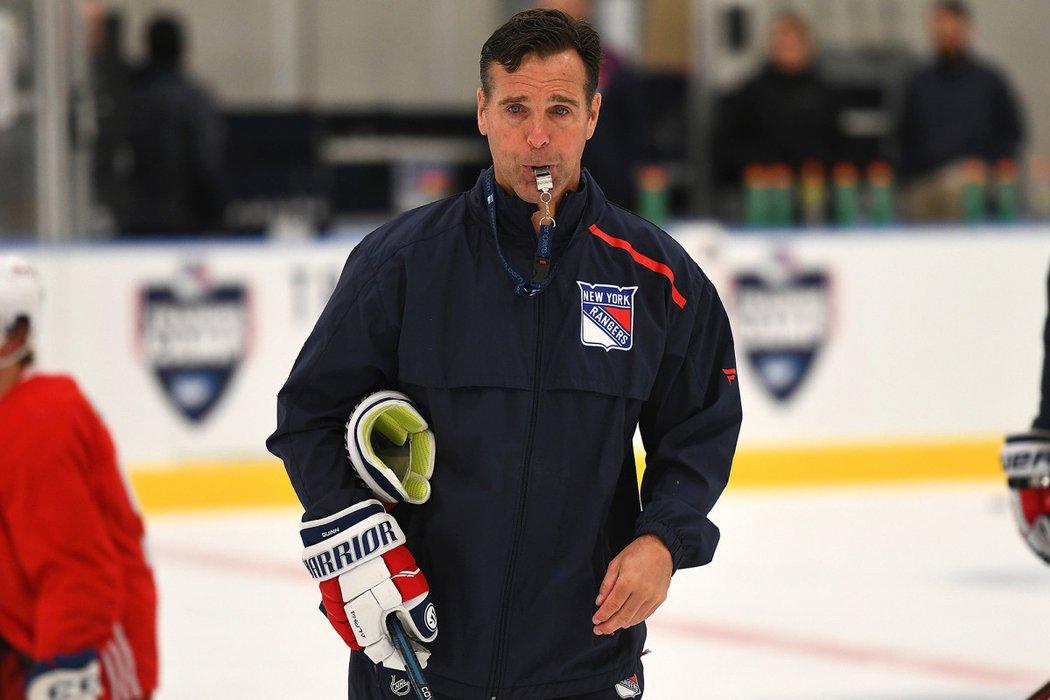 Americký trenér David Quinn po třech sezonách skončil u New York Rangers
