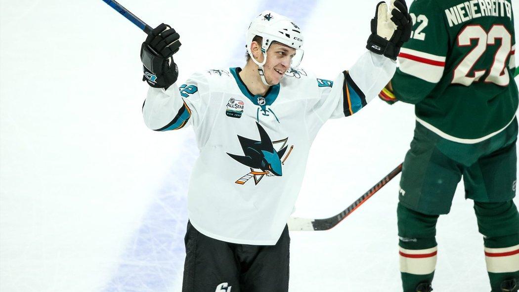 Český útočník Lukáš Radil se po dvou letech strávených v organizaci San Jose Sharks loučí se zámořím a vrací se zpět do KHL, kde znovu oblékne dres Spartaku Moskva