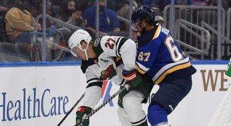 Frolík v boji o NHL zabodoval. Uvedl se gólem, na testech dva mladí Češi