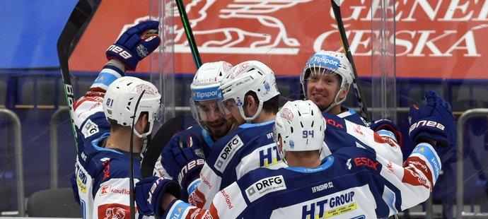 Radost hokejistů Komety z branky proti Vítkovicím