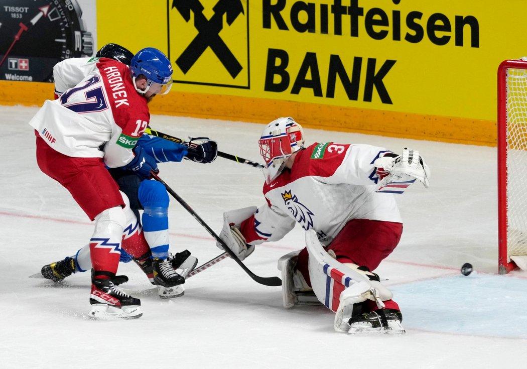 Finský útočník Jere Innala otevřel skóre utkání v 33. minutě