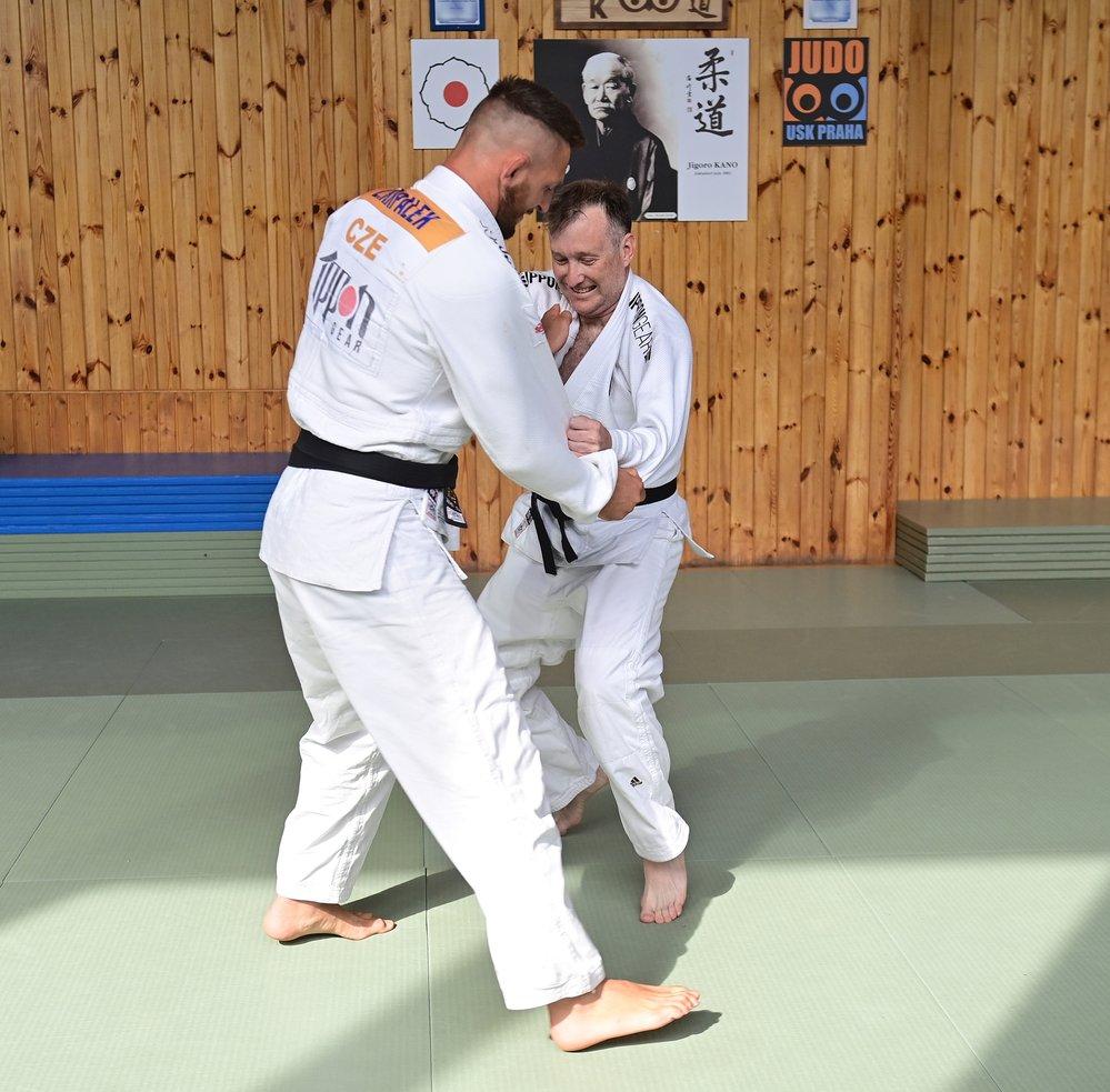 Lukáš Krpálek v souboji s redaktorem Sportu Martinem Haškem